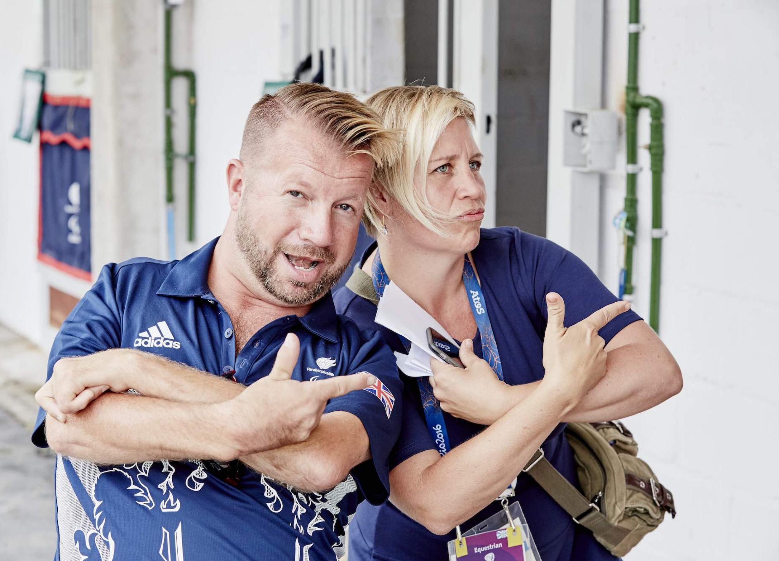 """This is how the FEI rolls in Rio! Our Olivia hangs out """"backstage"""" with Lee Pearson."""
